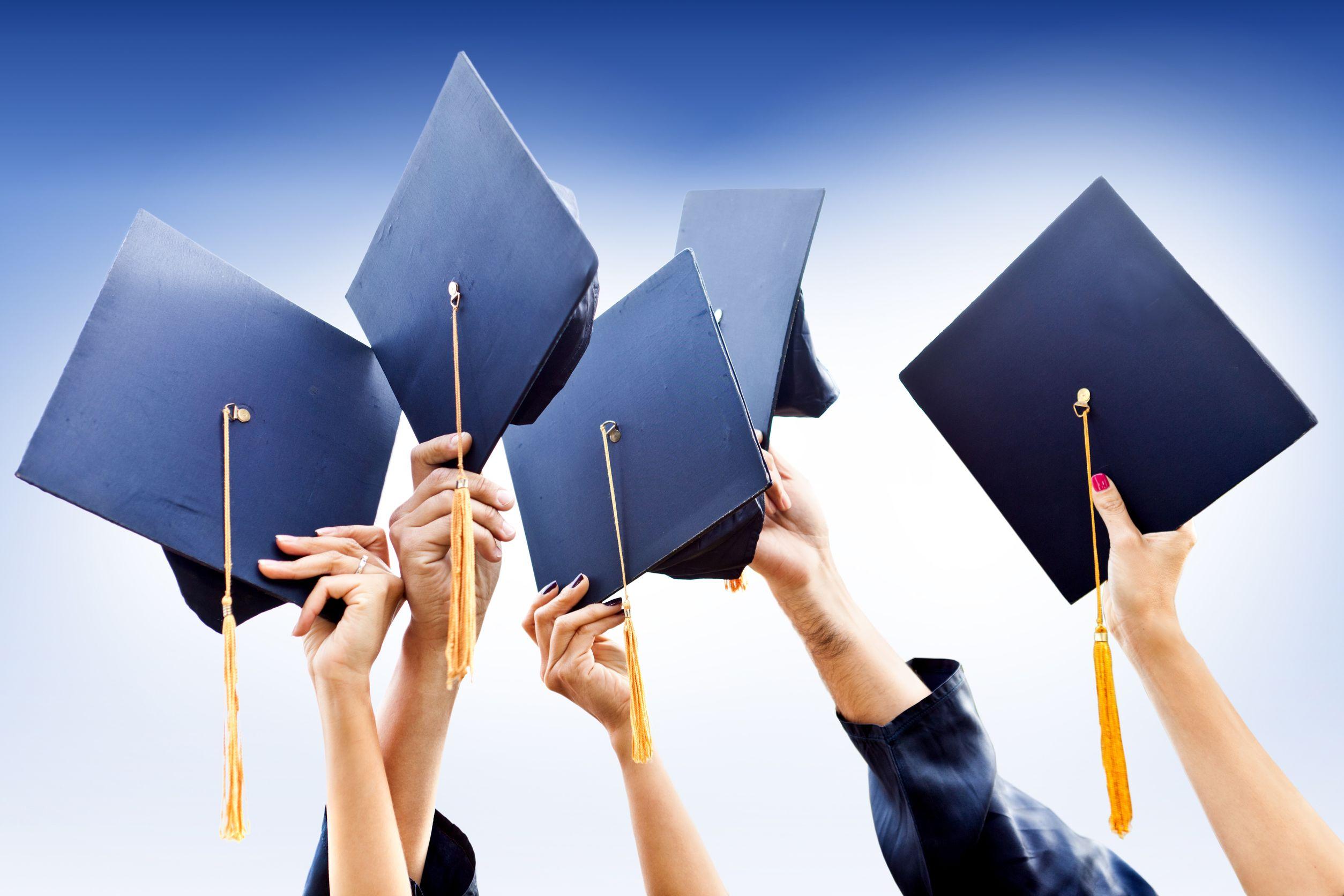 Открытка с окончанием института защиты диплома
