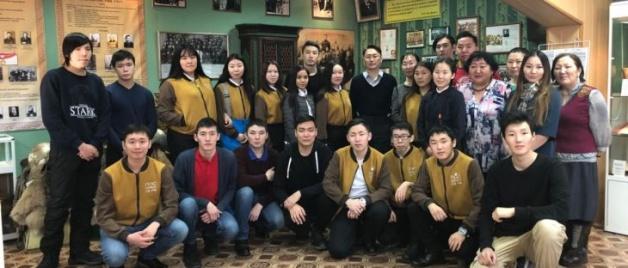 Университет – школам: студенты СВФУ провели выездной семинар для школьников в Усть-Алданском районе