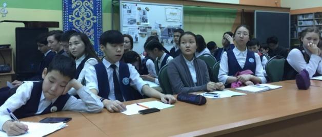 Университет – школам: преподаватели СВФУ выступили экспертами республиканской модели ООН